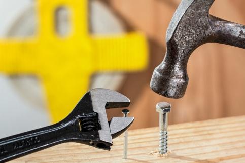 Hammer & screw